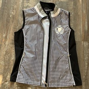 Daily Sports cute vests like new